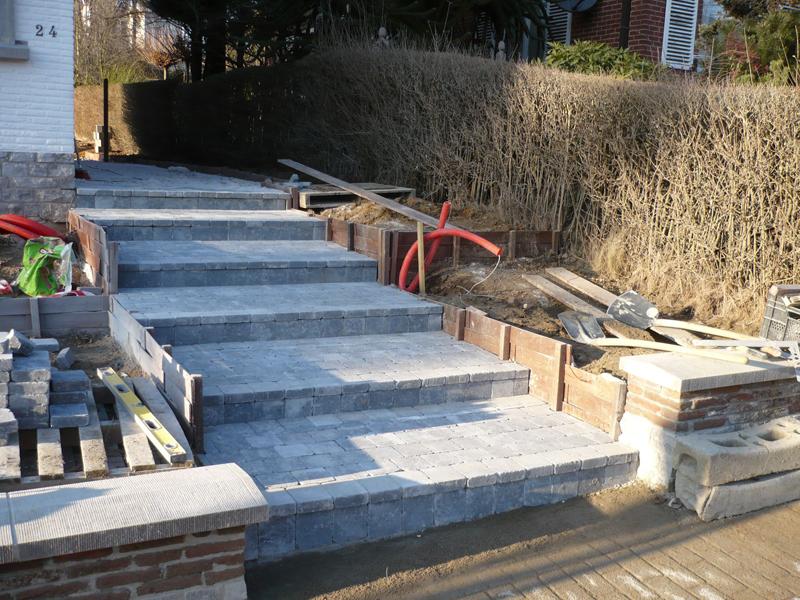 Agreba r alisations entr e de garage escalier et for Escalier exterieur en pierre bleue